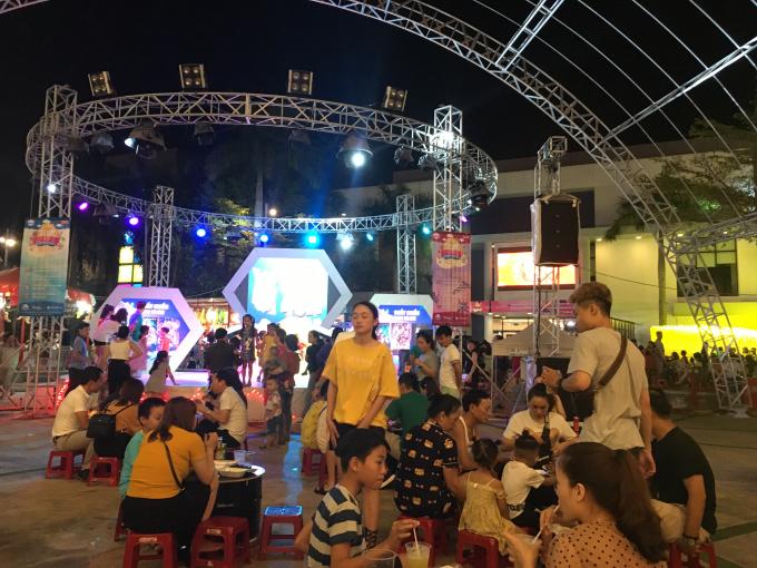 Theo Sở du lịch TP Đà Nẵng cho biết có gần 400.000 lượt du khách than quan, du lịch trong dịp lễ này
