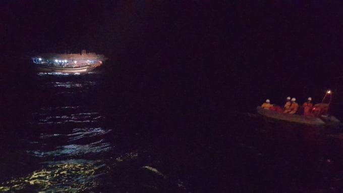 Đây là vụ cứu nạn thứ 3 của lực lượng tìm kiếm, cứu nạn hàng hải trong dịp nghỉ lễ 30/4 – 01/5 tại khu vực biển Miền Trung.