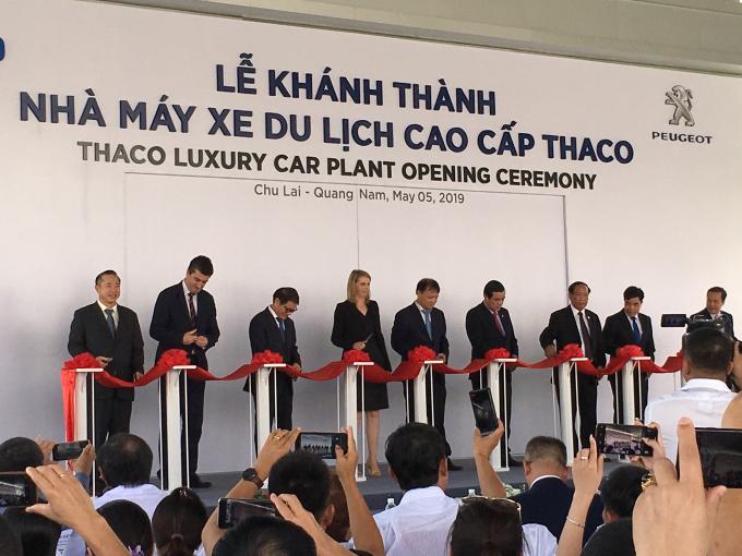 Nhà máy sản xuất xe du lịch cao cấp THACO với công suất 20.000 xe/năm.