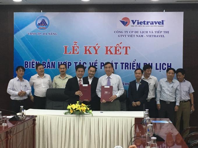 TP Đà Nẵng và Vietralvel thực hiện lễ ký kết phát triển du lịch.