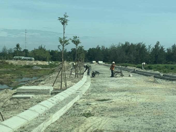 Các dự án dọc sông Cổ Cò, như: River View, Blue Riverside... cũng tăng tốc hoàn thiện tiến độ từ cú hích khơi thông sông Cổ Cò.