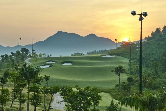 Sân golf Bà Nà tạm ngưng hoạt động để đảm bảo phòng dịch Covid-19.
