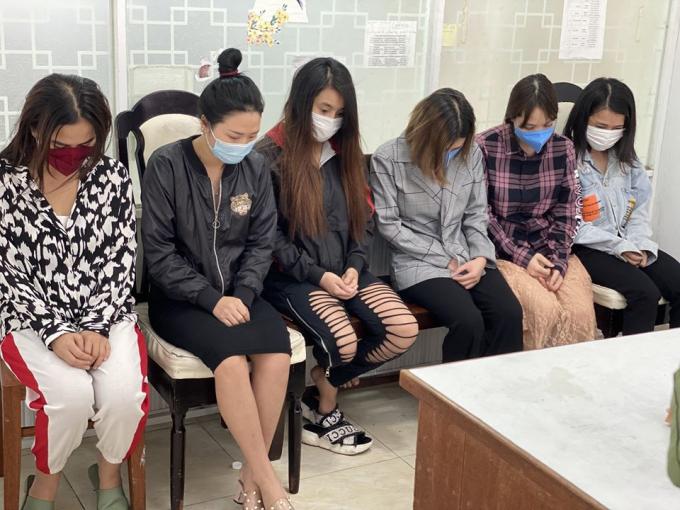 Nhiều cô gái tham gia đường dây mại dâm phục vụ người nước nhoài.