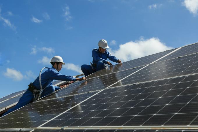 Trên địa bàn 13 tỉnh, thành phố miền Trung – Tây Nguyên có 5.025 khách hàng đầu tư lắp đặt hệ thống điện mặt trời.