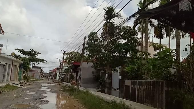 Nhiều ngôi nhà thấp hơn mặt rãnh thoát nước tới gần 1 mét