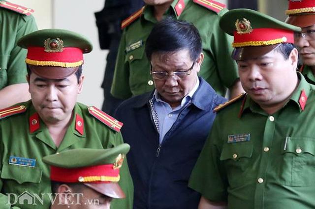 Bị cáo Phan Văn Vĩnh. ( Ảnh Dân Việt)