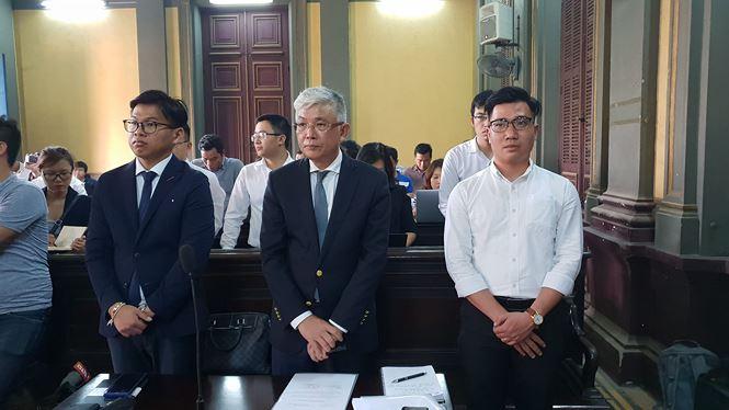 Đại diện Grab tại phiên tòa ngày 28/12/2018. Ảnh Văn Minh.