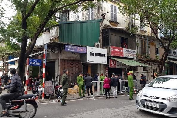 Hình ảnh buổi cưỡng chế tại số 3 phố Hàng Muối, quận Hoàn Kiếm. Ảnh: ND.