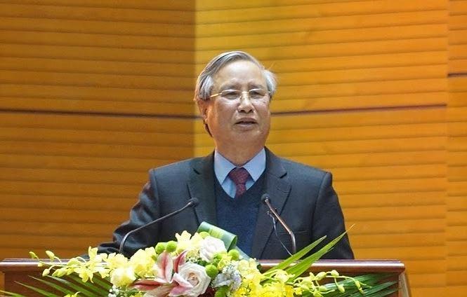 Thường trực Ban Bí thư Trần Quốc Vượng phát biểu tại Hội nghị.