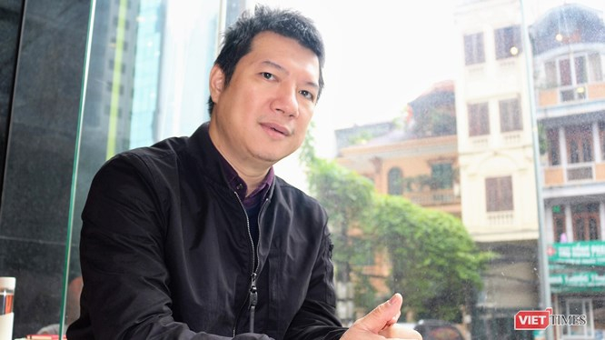Bình luận viên Quang Huy.