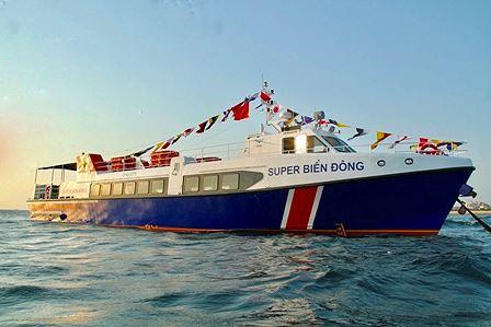 Tàu Super Biển Đông chạy tuyến Lý Sơn - Sa Kỳ.