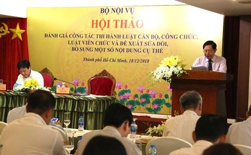 Bộ trưởng Bộ Nội vụ Lê Vĩnh Tân phát biểu tại hội nghị.