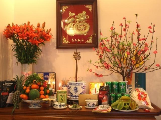 Trong tâm thức của người Việt, ban thờ luôn là nơi linh thiêng, tôn kính nhất của mỗi gia đình.