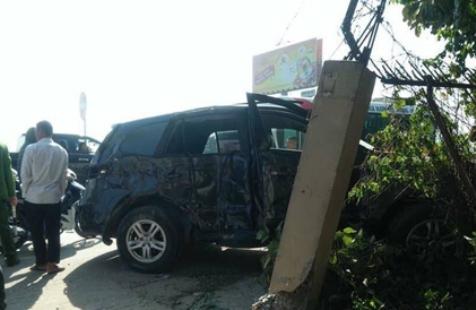 Hiện trường vụ tai nạn nghiêm trọng khiến 8 người thương vong.