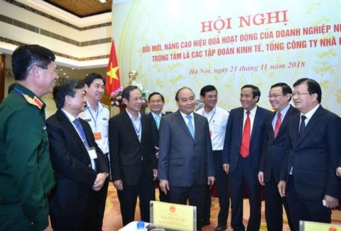 Thủ tướng Nguyễn Xuân Phúc trong một buổi hội nghị về hoạt động của các doanh nghiệp nhà nước.
