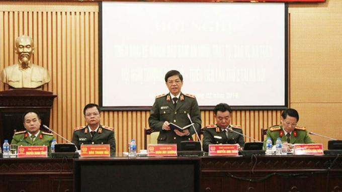 Trung tướng Đoàn Duy Khương, Giám đốc CATP chủ trì, phát biểu chỉ đạo hội nghị.