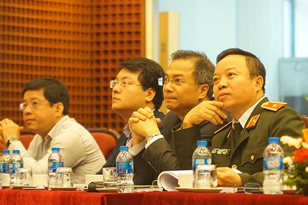 Các đại biểu dự hội thảo.