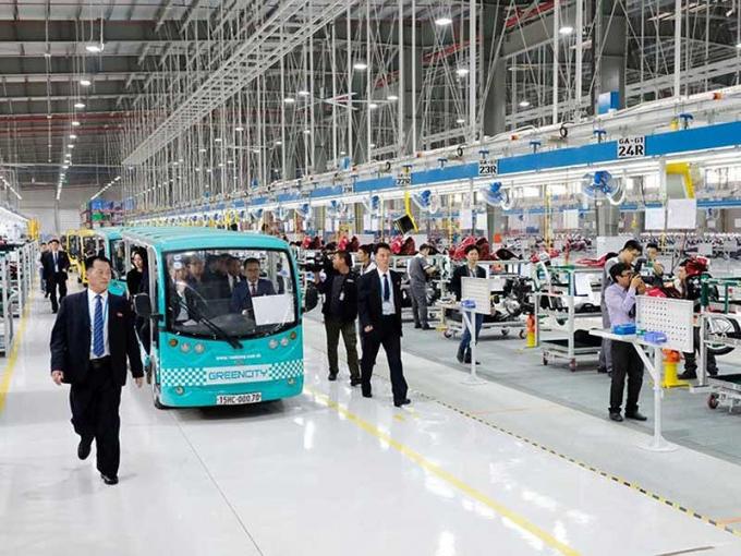 Đoàn đại biểu Triều Tiêntham quannhà xưởng sản xuất VinFast. ảnh: ĐỖ HOÀNG