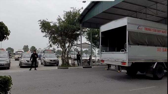 Bên trong sân thi sát hạch của một trường đào tạo lái xe ở tỉnh Bắc Ninh.