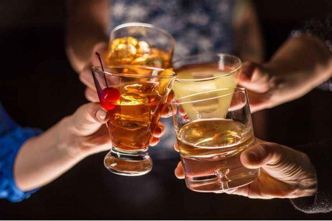 Các loại đồ uống có cồn bất hợp pháp, không chính thức, dù không quảng cáo, khuyến mại những vẫn chiếm thị phần lớn trên thị trường