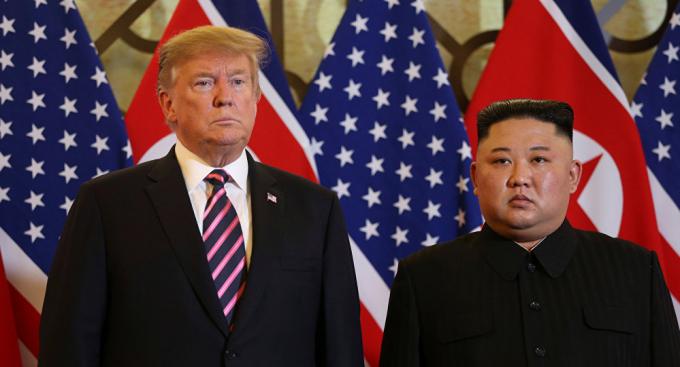 Tổng thống Mỹ Donald Trump và Chủ tịch Triều Tiên Kim Jong-un tại Hà Nội. (Ảnh: Getty)