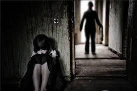 Em H. suy sụp và đến trường với tâm trạng buồn bã.