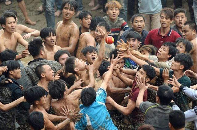 Hoạt động tranh phết đã bị đình chỉ tổ chức tại Hội phết Hiền Quan (tỉnh Phú Thọ).