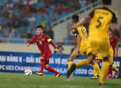Quang Hải chỉ vào sân ở đầu hiệp hai nhưng để lại khá nhiều dấu ấn với 1 bàn thắng cùng 1 đường kiến tạo. (Ảnh: Vy Vũ).