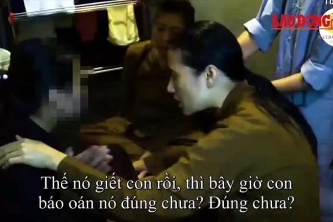 Hình ảnh thỉnh vong báo oán, chuyển nghiệp ở chùa Ba Vàng do PV Báo Lao Động ghi lại..