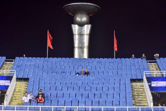 Với sức chứa theo thiết kế là 40.192 chỗ ngồi (450 ghế VIP, 160 ghế dành cho phóng viên báo chí), sân Mỹ Đình là trung tâm của Khu liên hợp thể thao quốc gia Việt Nam. Tuy nhiên trong trận đấu này lượng cổ động viên đổ về sân để cổ vũ cho đội tuyển U23 vắng hơn mọi dịp khác khi có đội tuyển Việt Nam thi đấu trên sân nhà.