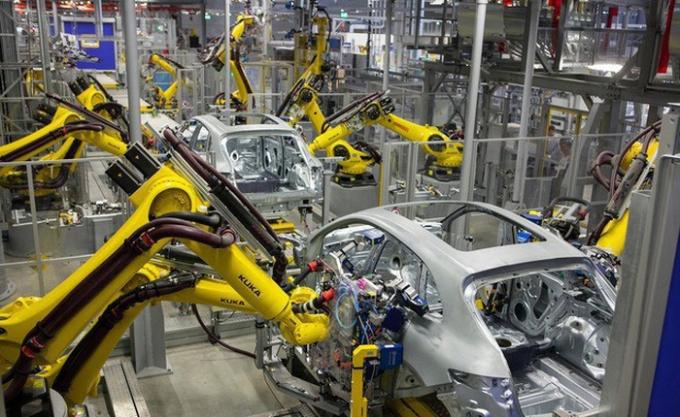 Hiện ngành công nghiệp hỗ trợ ô tô vừa nhỏ bé, vừa yếu kém (ảnh minh họa)