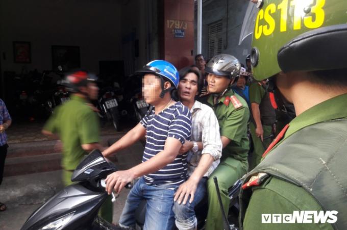 Ngay sau đó, lực lượng công an đã bắt giữ và đưa An về trụ sở công an phường.