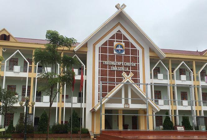 Trường THPT chuyên Sơn La, nơi được cho là có nhiều học sinh được nâng điểm trong kỳ thi THPT quốc gia 2018. Ảnh: Nghiêm Huê