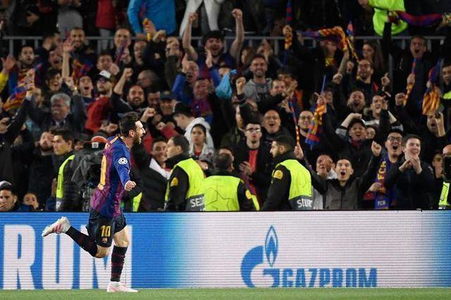 Messi ghi dấu ấn với cú đúp vào lưới Man Utd ở hiệp 1