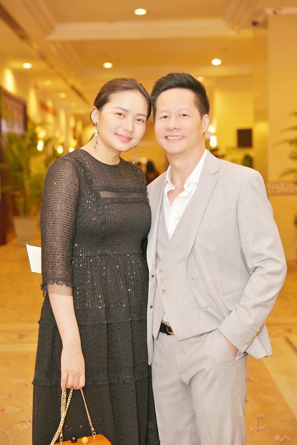 Đức Anhài lòng với sắc vóc của vợ Phan Như Thảo hiện tại.