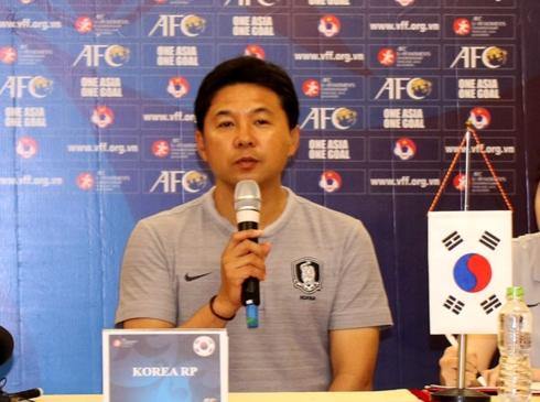 HLV trưởng của U19 nữ Hàn Quốc đánh giá rất cao U19 nữ Việt Nam.