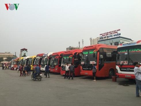 Bến xe Nước Ngầm dự báo lượng khách trong đợt nghỉ lễ dài ngày trước mắt có thể tăng từ 130-150% so với ngày thường.
