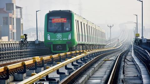 """Dự án đường sắt Cát Linh - Hà Đông bị chậm tiến độ và đội vốn """"khủng""""."""
