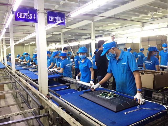 Nhiều người lao động của Công ty Asanzo và các công ty trực thuộc tập đoàn này lại là người đại diện của các công ty nhập khẩu hàng hóa cho Asanzo. Ảnh: Đại Việt