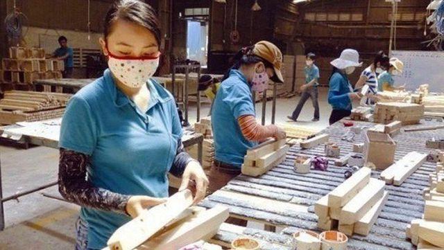 Đầu tư của Trung Quốc tại Việt Nam hiện nay đổ bộ vào ngành thết bị điện, săm lốp và gỗ xuất khẩu