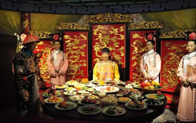 Mỗi bữa ăn của các Hoàng đế Trung Hoa thường có rất nhiều món (Ảnh minh họa).