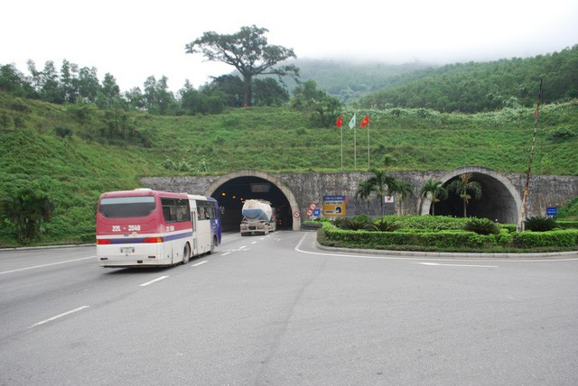 Hầm Hải Vân.