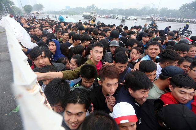 VFF đang tính bỏ bán vé tại quầy và qua đường công văn, nếu đội tuyển Việt Nam vào bán kết AFF Cup 2018.