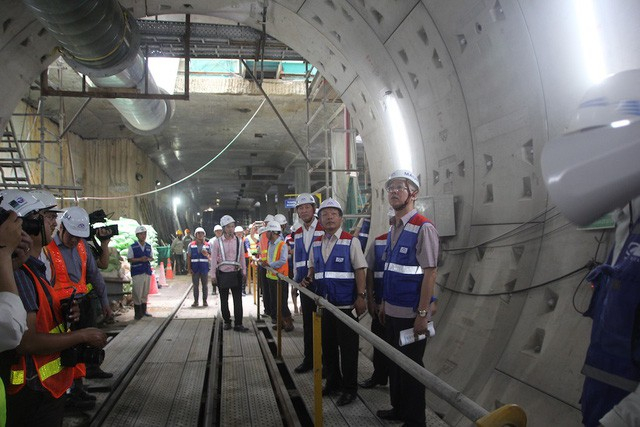 Gói thầu 1b, xây dựng đoạn ngầm hơn 1,7km từ ga Nhà hát TP đến ga Ba Son đạt gần 70% khối lượng công việc.