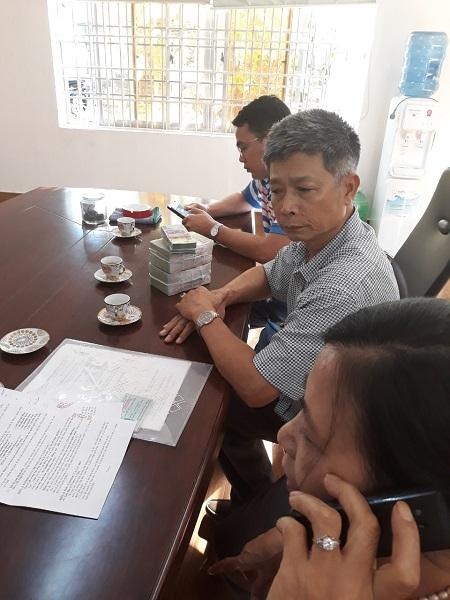 Các nhà đầu tư nhận tiền khi bán lại cổ phần cho nhóm nhà đầu tư Thu Hà – Minh Phương.
