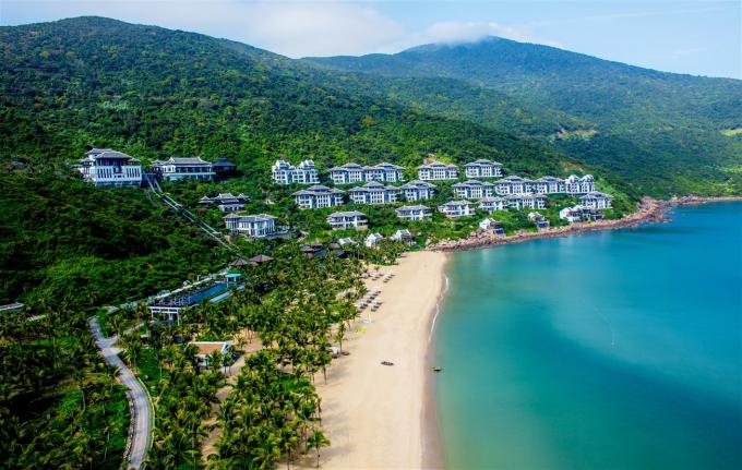 Khu nghỉ dưỡng trên bán đảo Sơn Trà đã chinh phục du khách và các chuyên gia toàn cầu như thế nào?