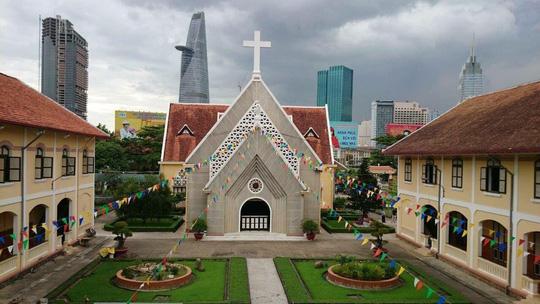 TP HCM có hướng giữ lại nhà thờ, các công trình Dòng Mến Thánh giá Thủ Thiêm (Ảnh: Nguyễn Phan).