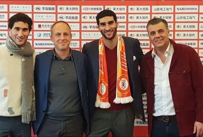 Marouane Fellaini đã gia nhập CLB Sơn Đông Lỗ Năng Thái Sơn của Trung Quốc.
