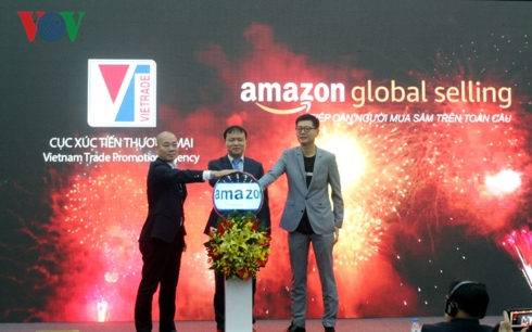Việc sử dụng phương thức thương mại điện tử sẽ tăng lợi thế xuất khẩu hàng hóa cho doanh nghiệp.