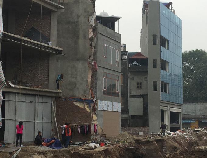 Quận Bắc Từ Liêm đang tích cực xử lý các trường hợp nhà, đất không đủ điều kiện về mặt bằng xây dựng. Ảnh: Phong Châu.